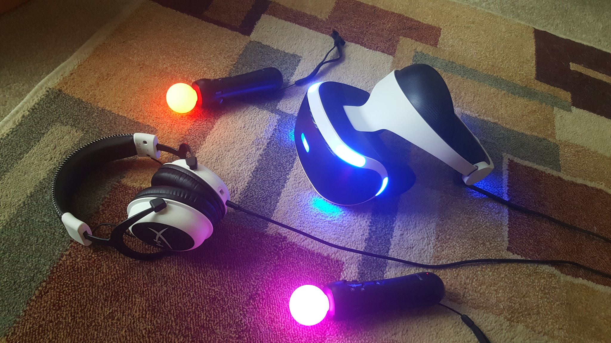 ps-vr-ps4-move-headset