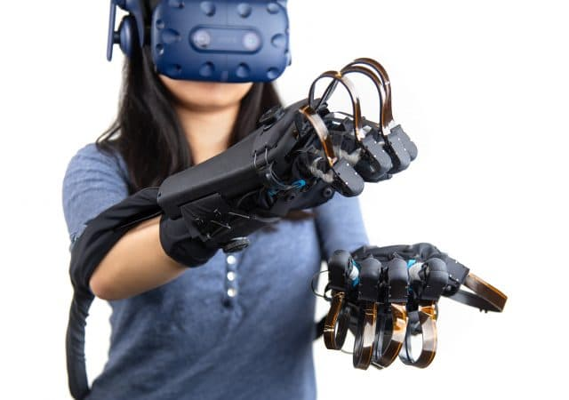 HaptX Gloves VR